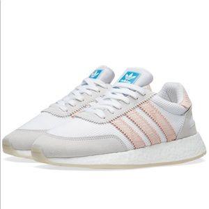 Woman's addidas original running shoes light pink